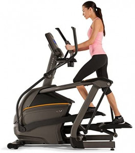 lady using a matrix e30 elliptical