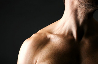strengthen neck feature image fitnessreviews