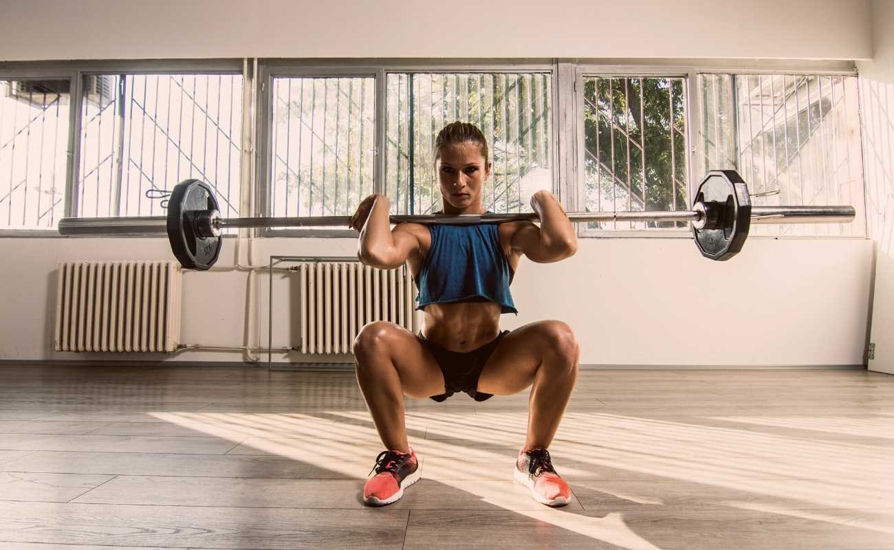 11 Front Squat Alternatives Featured Image